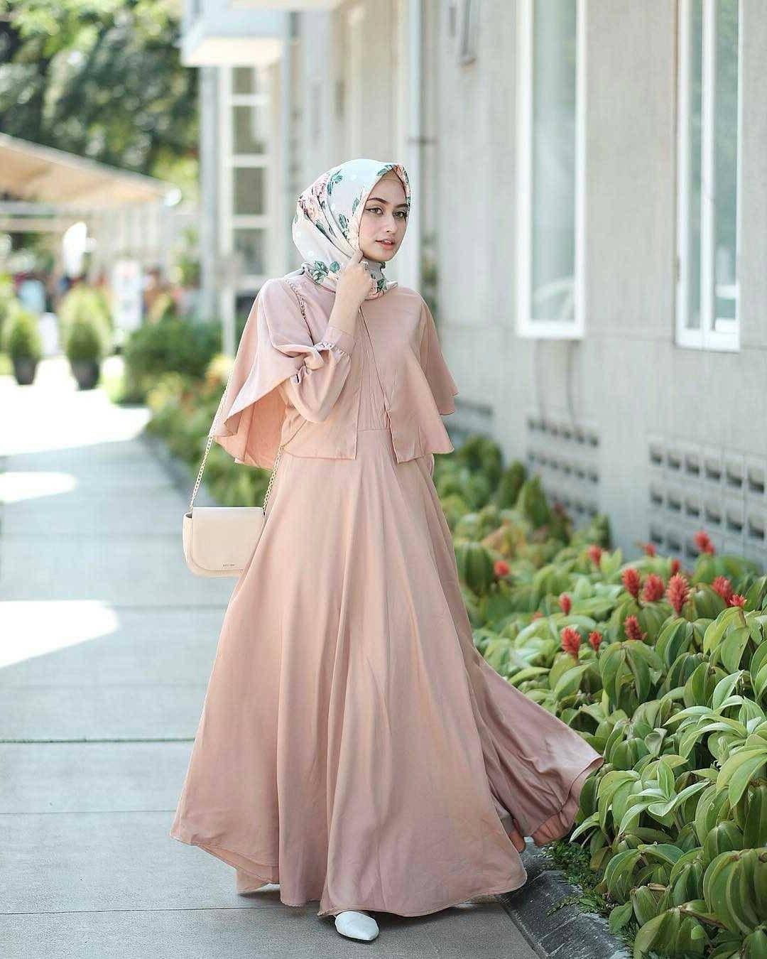 Ide Baju Lebaran Muslim Terbaru Q5df 21 Model Gamis Lebaran 2018 Desain Elegan Casual Dan Modern
