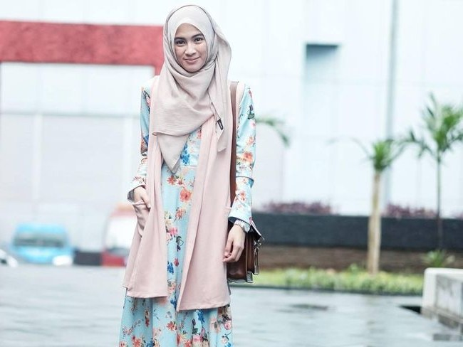 Ide Baju Lebaran Nagita Q5df Inspirasi Baju Lebaran Dengan Gamis Nagita Slavina Hingga