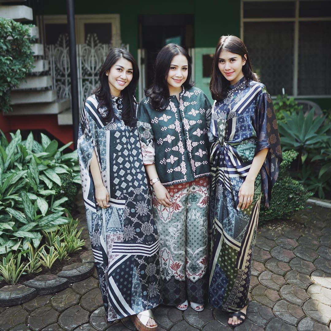 Ide Baju Lebaran Para Artis Zwd9 Intip Tema Baju Lebaran Para Artis Di Hari Raya