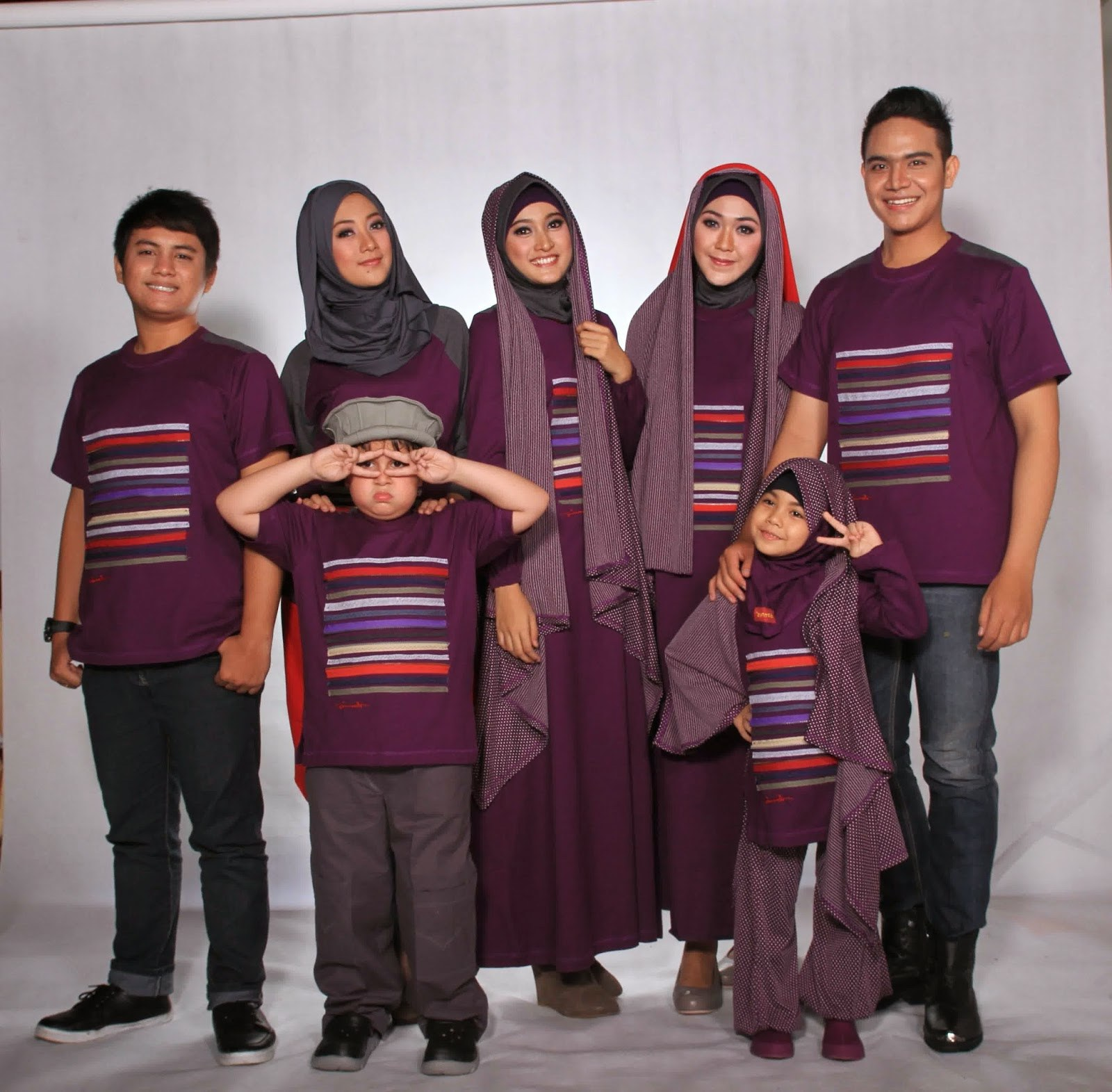 Ide Baju Lebaran Suami istri S1du Gambar Baju Muslim Pasangan Suami istri Dan Anak Terbaru