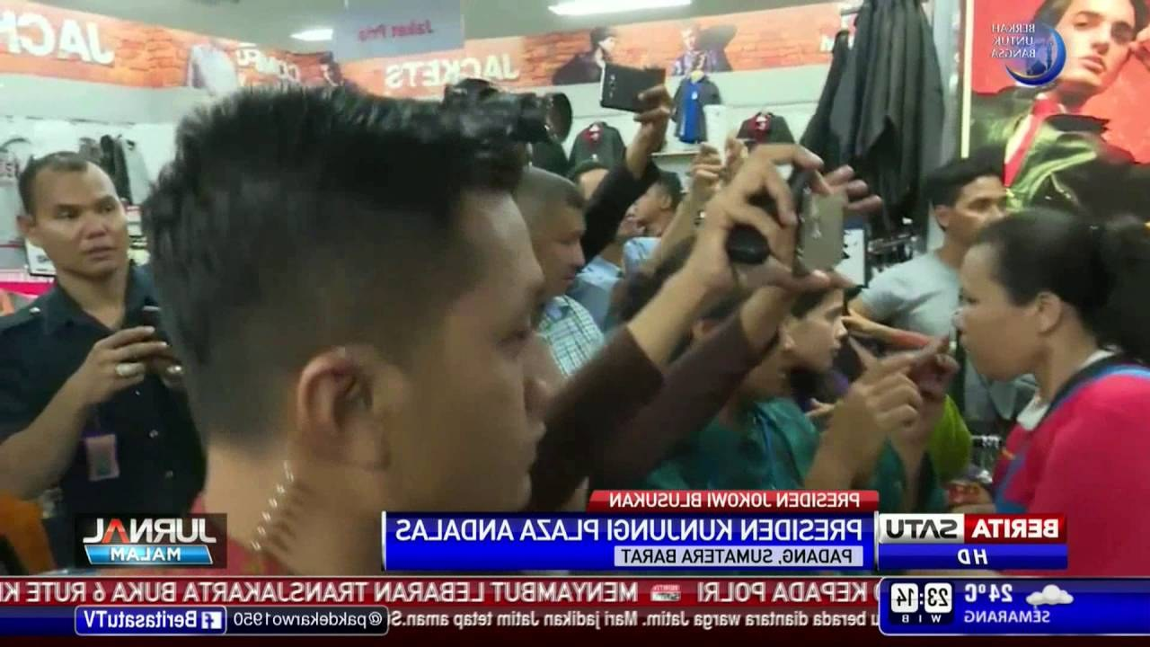 Ide Baju Lebaran Untuk Sekeluarga T8dj Jokowi Belanja Baju Di Plaza andalas Untuk Lebaran