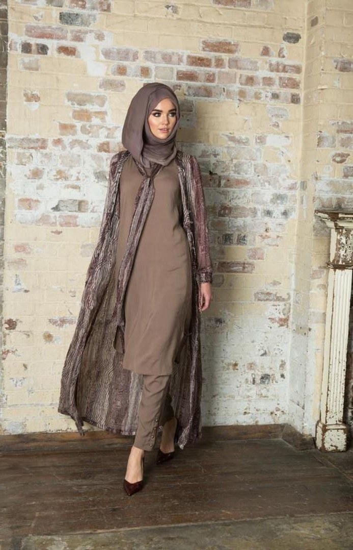 Ide Fashion Muslim Terbaru Budm Inspirasi Tampilan Baju Muslim Terbaru Paling Modis Wanita