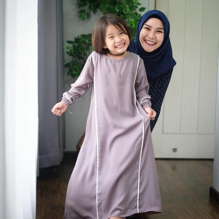 Ide Model Baju Lebaran Artis 3ldq 6 Inspirasi Model Busana Anak Artis Untuk Baju Lebaran Si