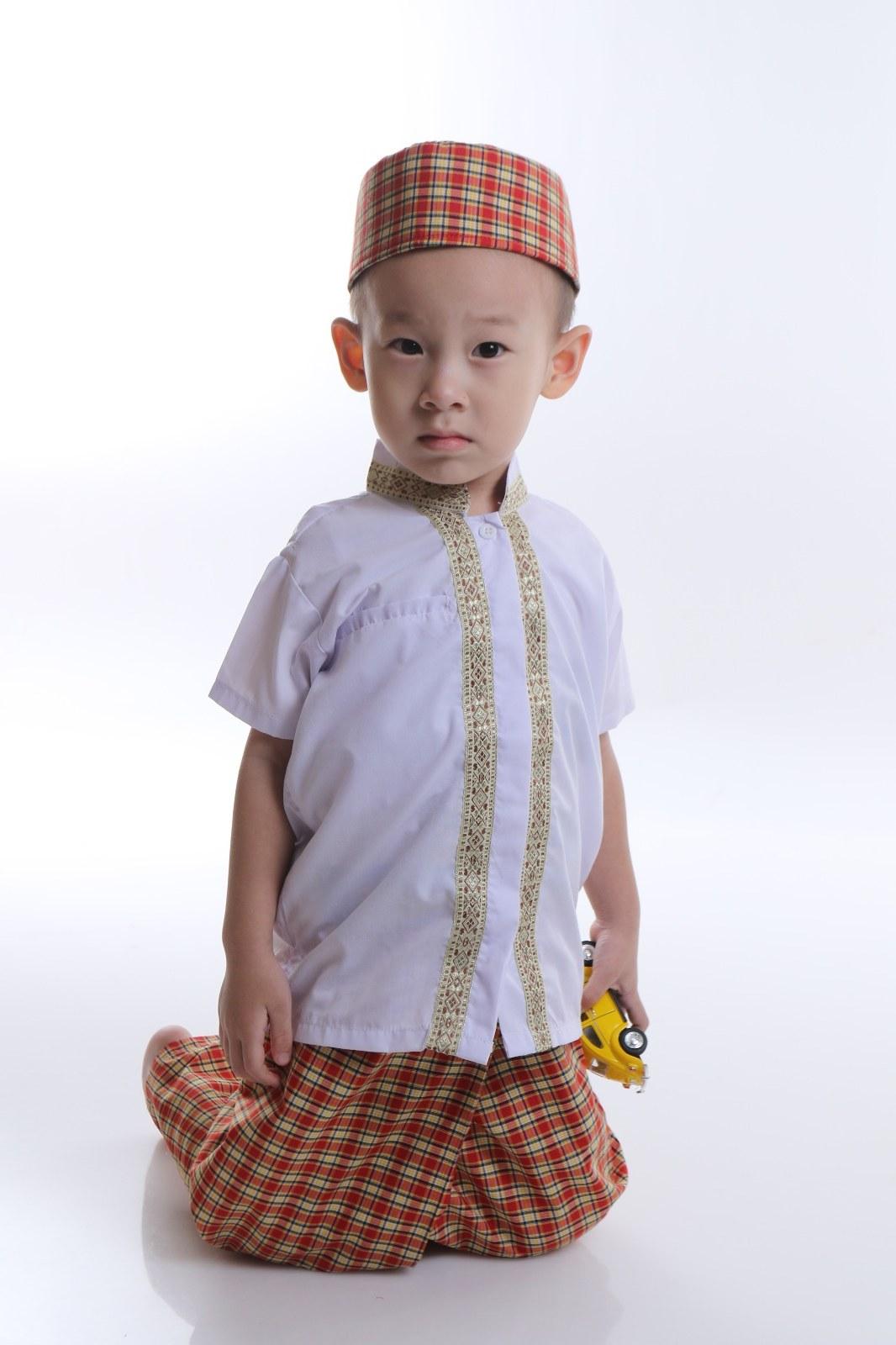 Ide Model Baju Lebaran Laki Laki 2018 Gdd0 Model Baju Muslim Untuk Anak Laki Laki Desain Terbaru