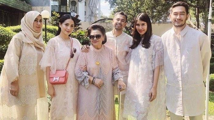 Inspirasi Baju Lebaran Nagita Slavina 2018 J7do Tak Hanya Baju Dan Kacamata Mahal Outfit Lebaran Nagita