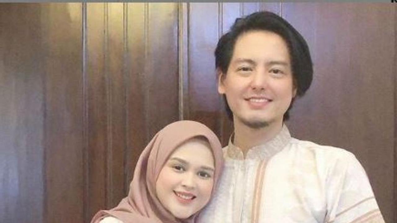 Inspirasi Baju Lebaran Pasangan Suami istri Y7du Sah Jadi Pasangan Suami istri Begini Potret 5 Artis