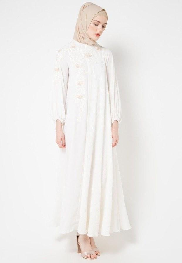 Inspirasi Cari Baju Lebaran Ftd8 Cari Baju Baru Ini 5 Gamis Dan Dress Putih Untuk Dipakai