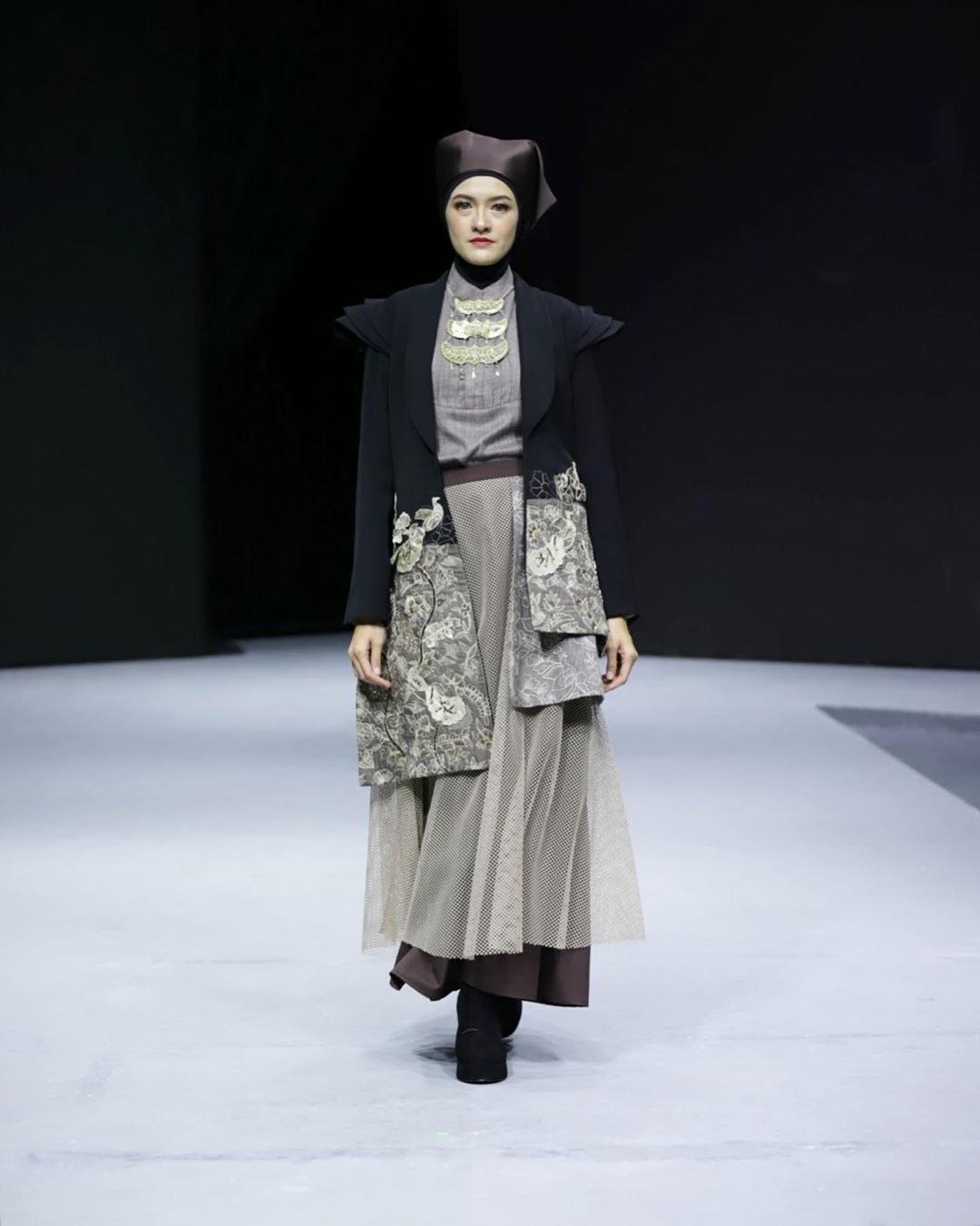 Inspirasi Inspirasi Baju Lebaran 2020 Fmdf Inspirasi Model Baju Lebaran 2020 Dari Para Desainer