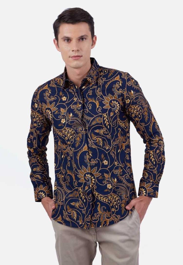 Inspirasi Model Baju Lebaran 2018 Pria J7do 30 Model Baju Batik Pria Gaul Kombinasi Polos Modern