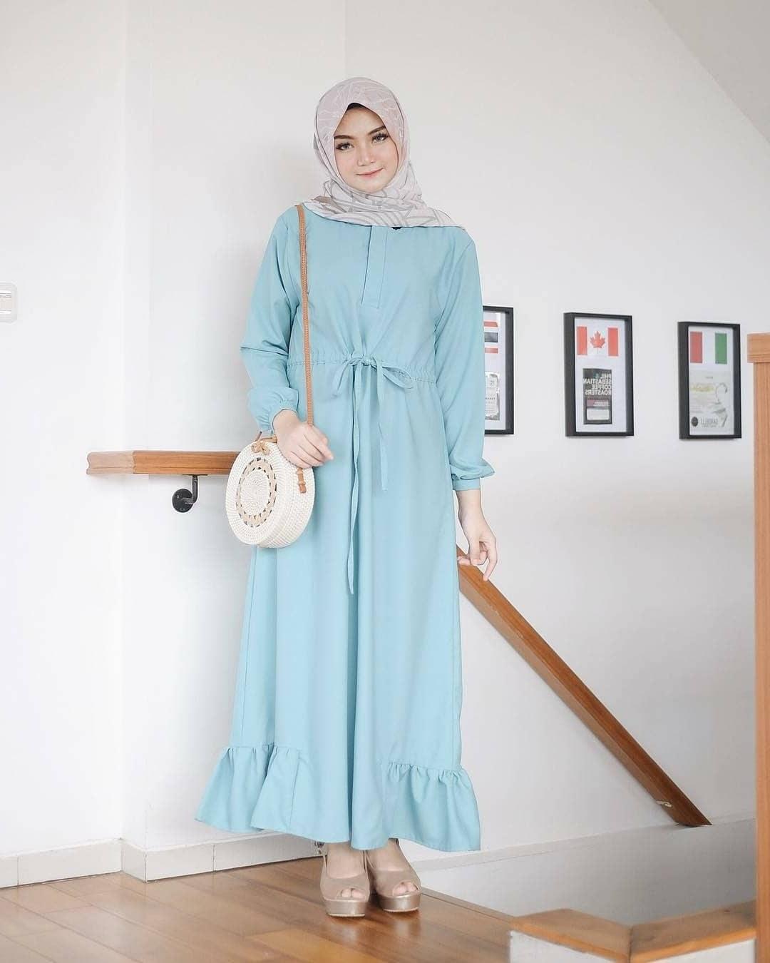 Inspirasi Model Baju Lebaran Perempuan 2018 Q5df Tren Busana Muslim Terbaru Untuk Merayakan Hari Raya Yang