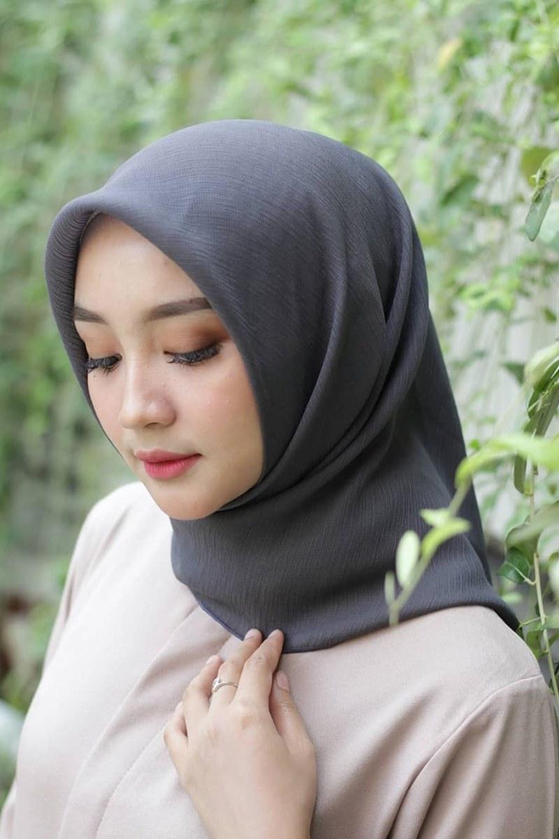 Inspirasi Trend Baju Lebaran Tahun 2020 Kvdd Jilbab Simple Dan Minimalis Trend Hijab Dan Baju Lebaran
