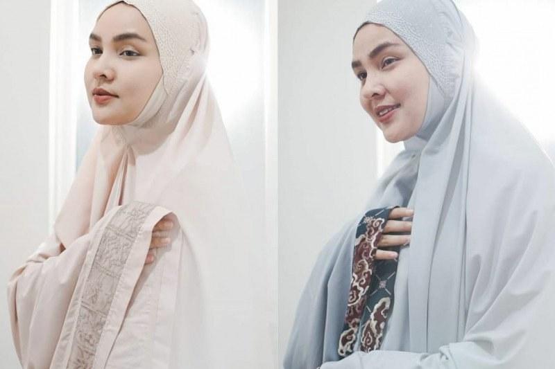Inspirasi Trend Baju Lebaran Tahun 2020 U3dh Mukena Polos Ala Ria Miranda Untuk Lebaran 2020 Lokasi Id