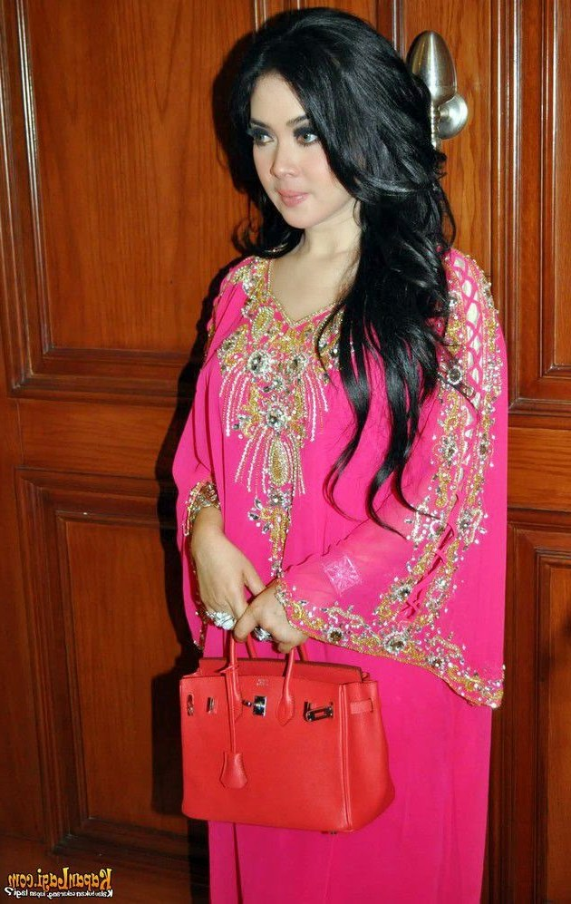 Model Baju Lebaran Ala Syahrini Etdg 13 Foto Desain Baju Muslim Syahrini Kumpulan Model Baju