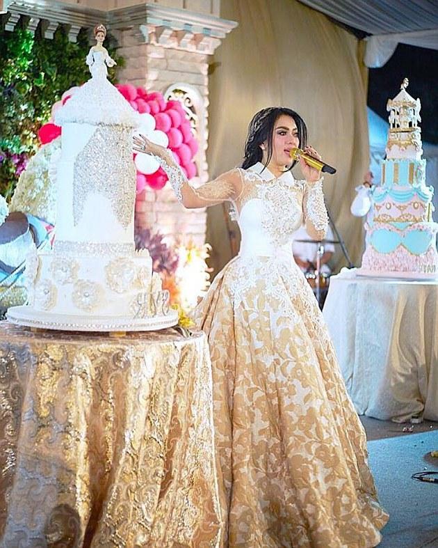 Model Baju Lebaran Ala Syahrini Ipdd Waduh Gaun Mewah Syahrini Di Pesta Ultah Disebut Mirip