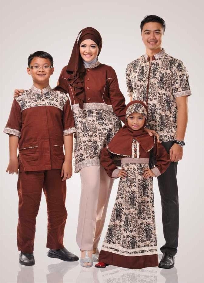 Model Inspirasi Baju Lebaran Keluarga S5d8 Gambar Baju Couple Muslim Batik Keluarga Terbaru