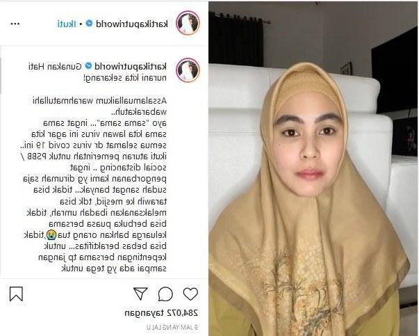 Model Melihat Baju Lebaran Rldj Kartika Putri Menangis Lihat Warga Berkerumun Demi Beli