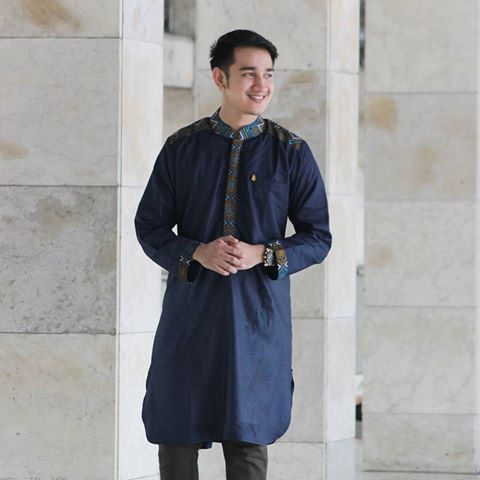 Model-Baju-Batik-Gamis-Pria-Kombinasi.jpg