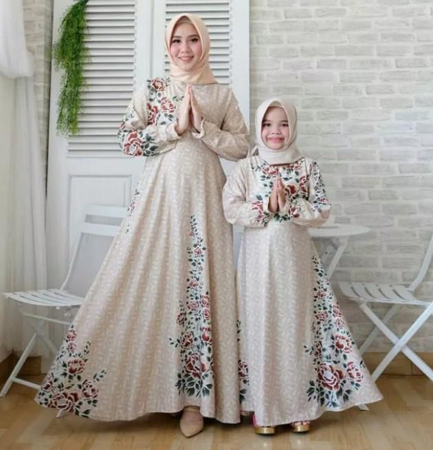 Model-Baju-Gamis-Couple-Ibu-dan-Anak-Terbaru-Motif-Cream.jpg