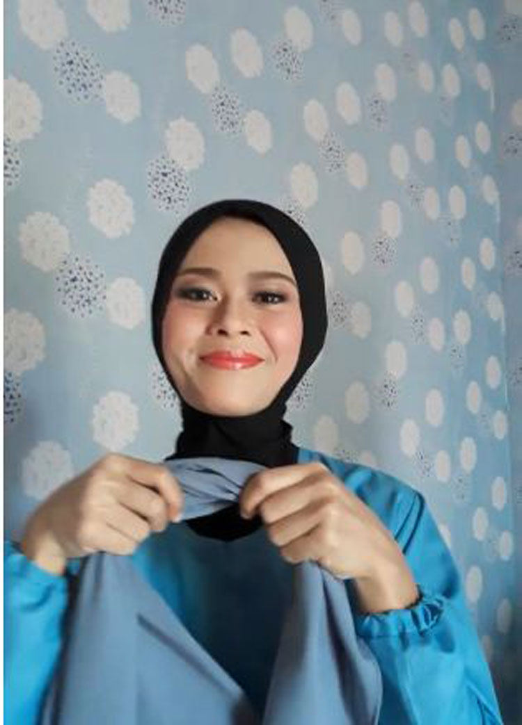 tutorial-hijab-segitiga-ala-zaskia-sungkar.jpg
