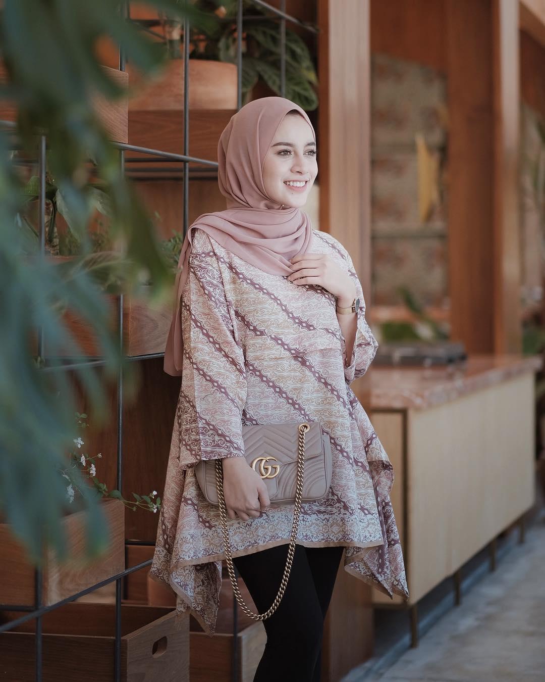 Model-Baju-Muslim-Batik-Kombinasi-Terbaru-2019.jpg