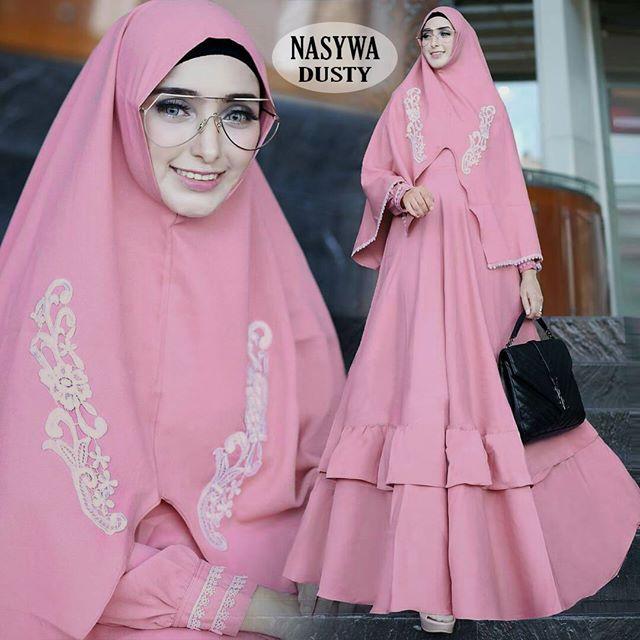 model-baju-muslim-wanita-berkacamata.jpg