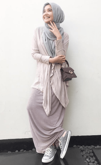 Model-Baju-Muslim-Zaskia-Sungkar-1.png