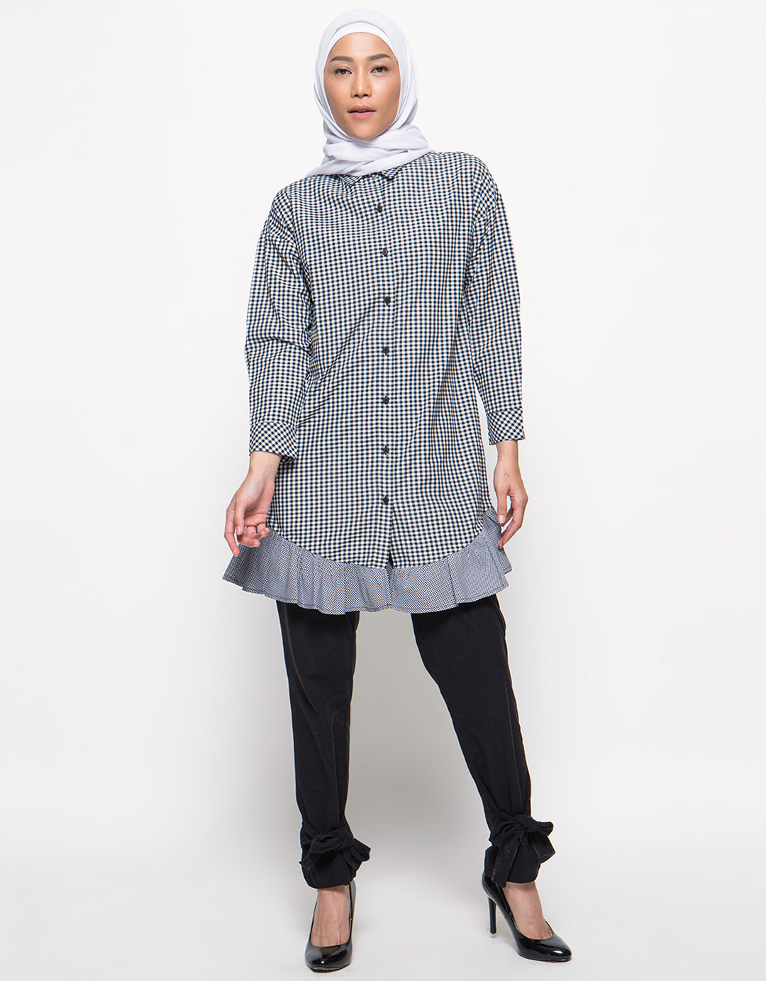 annisa-blouse-wanita-square-combination-hitam_4398884_4_54271.jpg