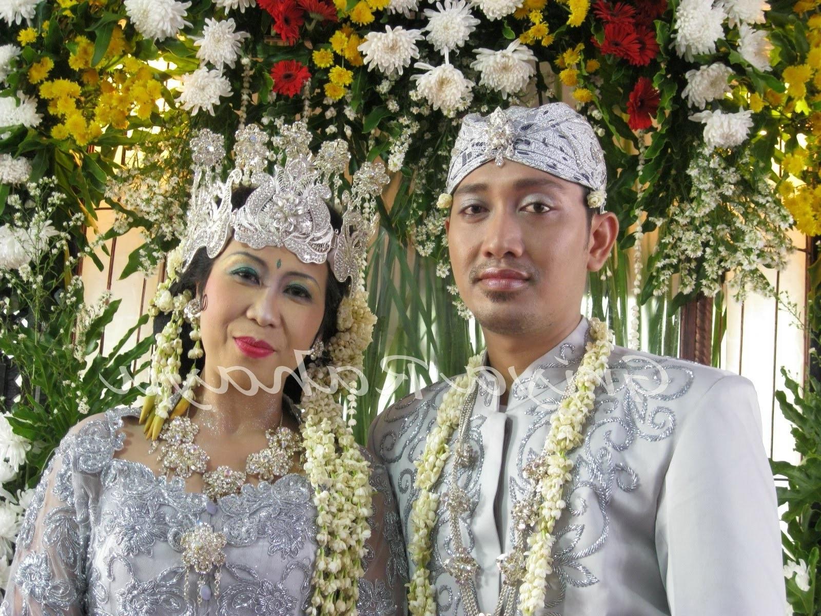 Bentuk Baju Pengantin Sunda Muslim 9fdy Baju Pengantin Adat Lampung Berhijab Baru Radar Lampung