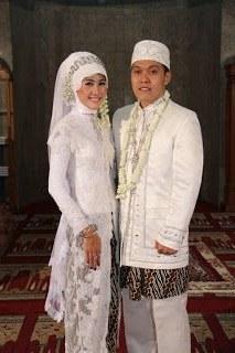 Bentuk Busana Pengantin Muslim Jawa Bqdd White Batik Wedding Kebaya the Big Day