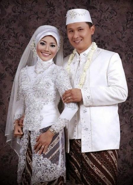 Bentuk Gambar Gaun Pengantin Muslim Modern S1du Jenis Pakaian Adat Jawa Timur Pesa An Madura Model Baju