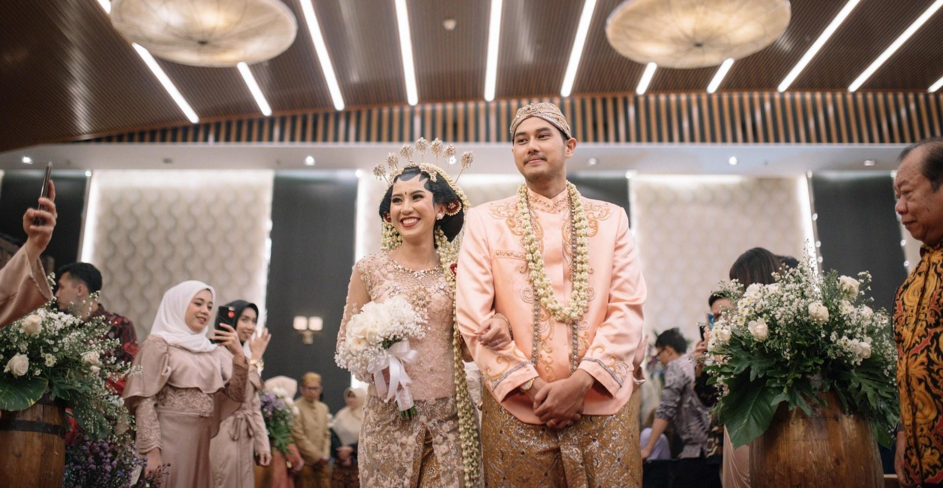 Bentuk Gaun Pengantin Muslim Gold Wddj Ikk Indonesia