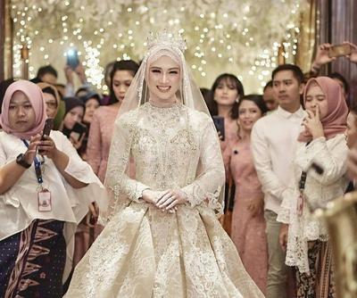 Bentuk Sewa Gaun Pengantin Muslimah Thdr Tidak Melulu Berwarna Putih Coba Intip 5 Inspirasi Warna
