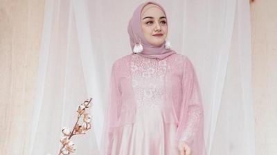 Design Baju Ke Pesta Pernikahan Muslimah Zwd9 Makin Kece Ke Resepsi Pernikahan Dengan Busana Muslim