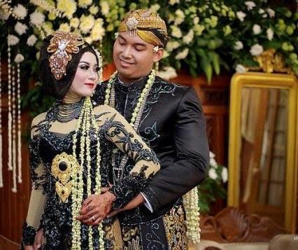 Design Baju Pengantin Adat Jawa Muslim Etdg Aksesori Pengantin Jawa