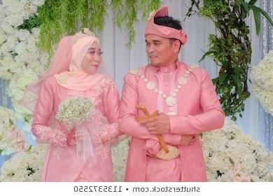 Design Baju Pengantin Muslim Couple Ffdn Muslim Wedding Stock S & Graphy
