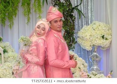Design Baju Pengantin Muslim Couple Q5df Muslim Wedding Stock S & Graphy