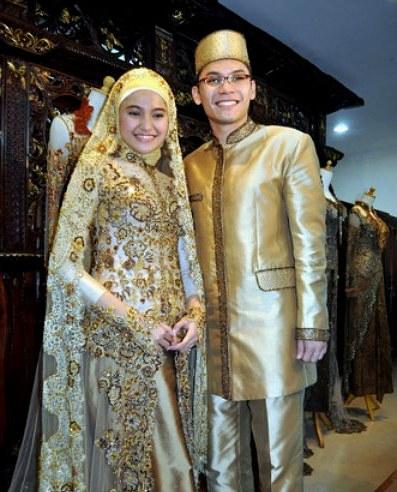 Design Baju Pengantin Muslim Sederhana Drdp Jenis Pakaian Adat Jawa Timur Pesa An Madura Model Baju