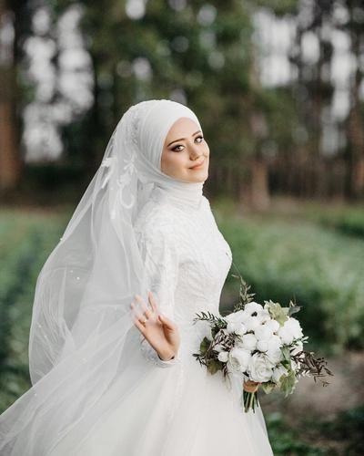 Design Baju Pengantin Muslimah Bercadar Bqdd Elegan Dan Menawan Yuk Intip Inspirasi Baju Pengantin