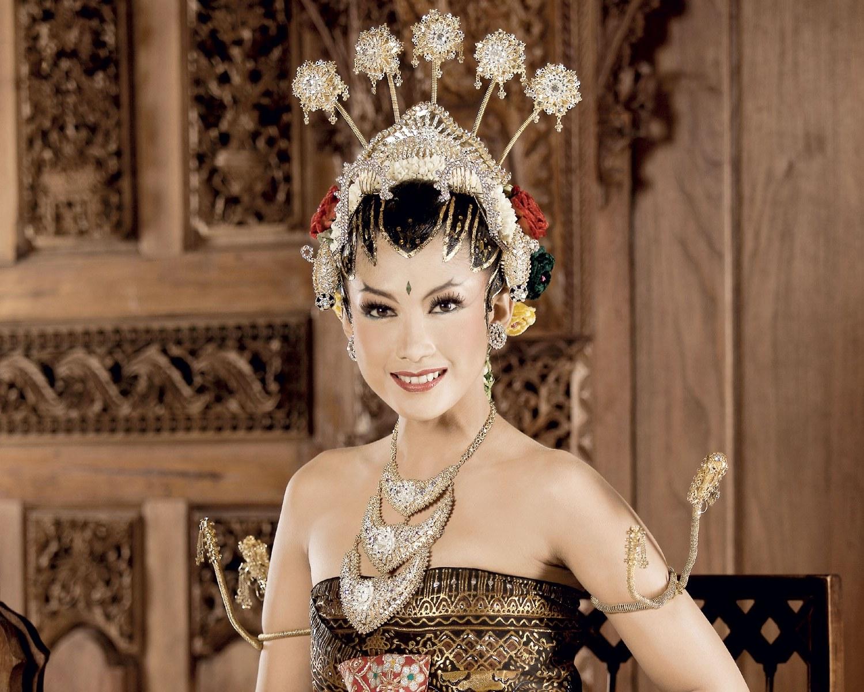 Design Contoh Gaun Pengantin Muslim Ipdd Tata Rias Pengantin Yogya Paes Ageng