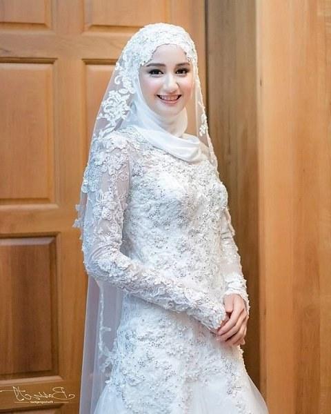 Design Gaun Pengantin Brokat Muslimah E9dx 50 Model Baju Kebaya Pengantin Muslimah Elegan Dan Modern