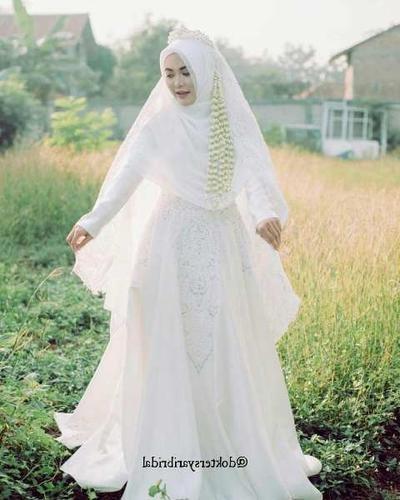 Design Gaun Pengantin Brokat Muslimah Nkde Model Gaun Pengantin Muslimah Yang Diprediksi Bakal Tren 2019