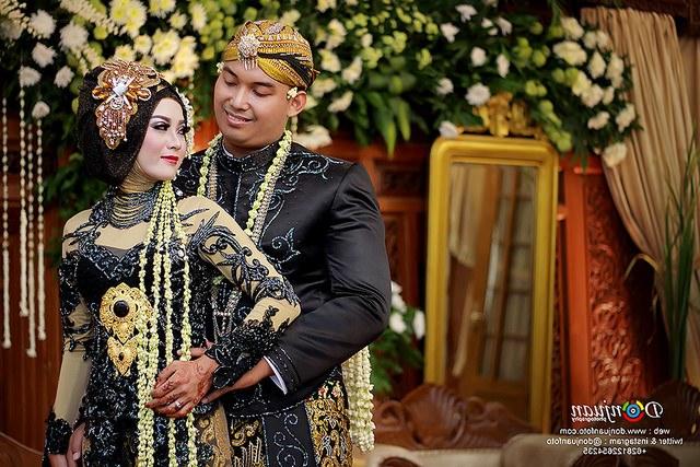 Design Gaun Pengantin Muslimah Adat Jawa Kvdd Model Kebaya Pengantin Hijab Jawa Prelo Blog Tips Review