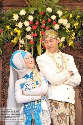 Design Gaun Pengantin Muslimah Adat Jawa Wddj 17 Foto Pengantin Dg Baju Gaun Kebaya Pengantin Muslim