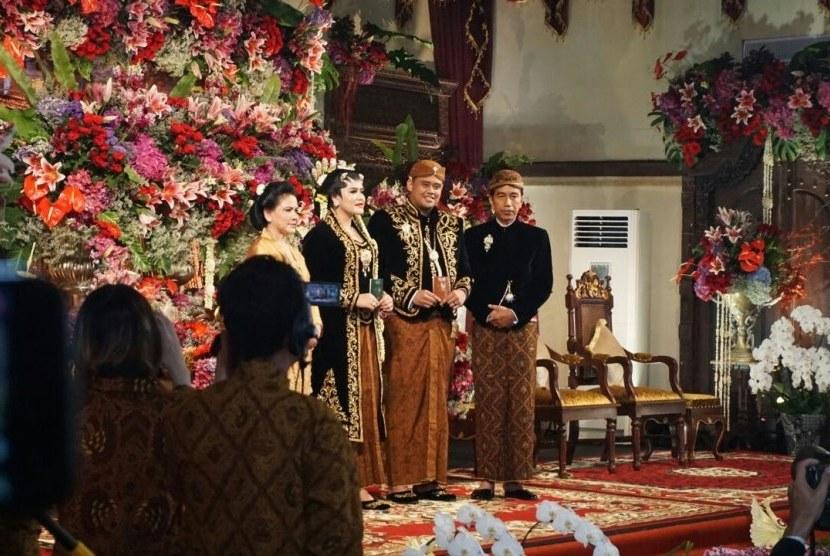Design Gaun Pengantin Muslimah Adat Jawa Whdr Pernak Pernik Perkawinan Adat Jawa Dari Baju Hingga Musik