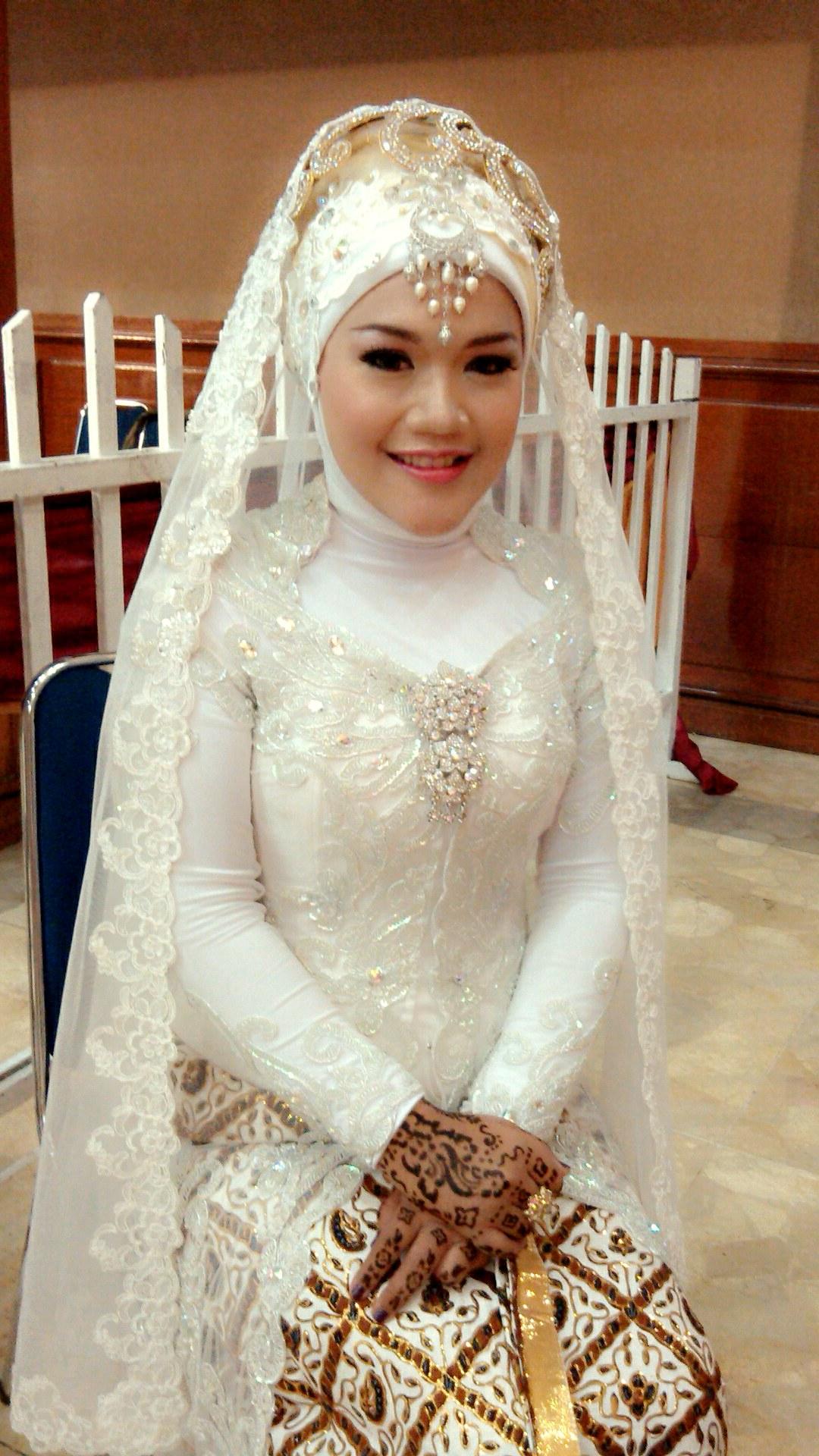 Design Gaun Pengantin Muslimah Syar'i Rabbani 3id6 Jilbab Pengantin Muslim Yang Syar I Dan Anggun