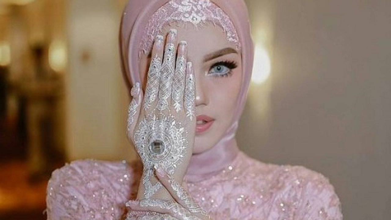 Design Gaun Pengantin Muslimah Termewah Jxdu 50 Model Baju Kebaya Pengantin Muslimah Elegan Dan Modern