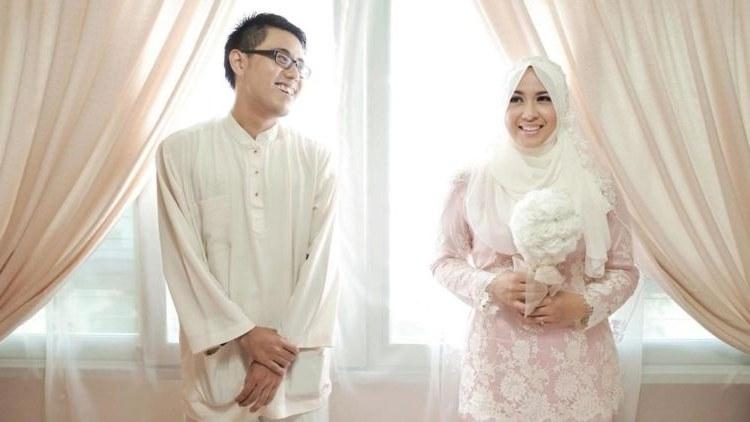 Design Gaun Pengantin Muslimah Untuk Tubuh Mungil E6d5 15 Inspirasi Gaun Pernikahan Syar I Ini Bisa Dicontek Demi