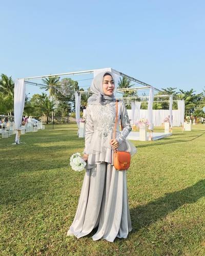 Design Gaun Pengantin Muslimah Untuk Tubuh Mungil Etdg Cantik Dan Manis Ini Dia Inspirasi Gaun Untuk Hijabers