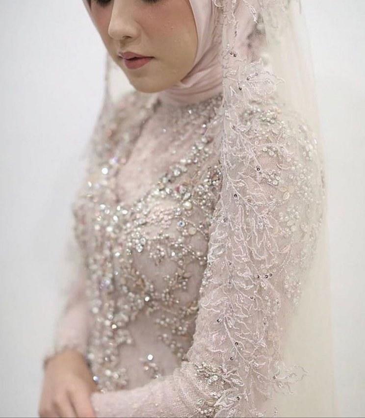 Design Gaun Pengantin Muslimah Untuk Tubuh Mungil Nkde 31 Model Kebaya Muslim Yang Stylish Dan Trendi Untuk