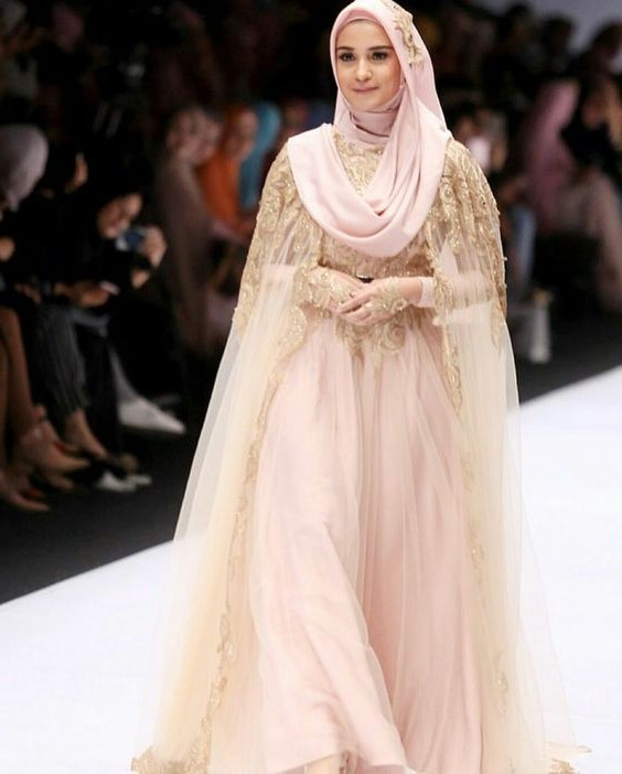 Design Gaun Pengantin Muslimah Untuk Tubuh Mungil O2d5 Hijabers 9 Inspirasi Gaun Pengantin Kekinian Ini Bakal